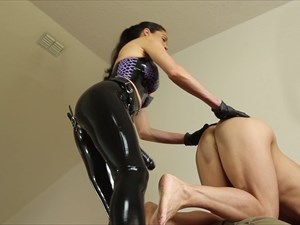 Mistress Susi is Fucking Her Slave
